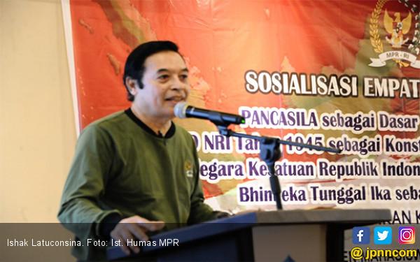 Ishak Latuconsina: Bela Negara Merupakan Tugas Seluruh Rakyat Indonesia - JPNN.com