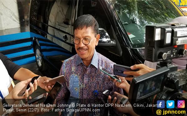 Menkominfo Johnny Desak MiChat Take Down Akun Prostitusi Online - JPNN.com