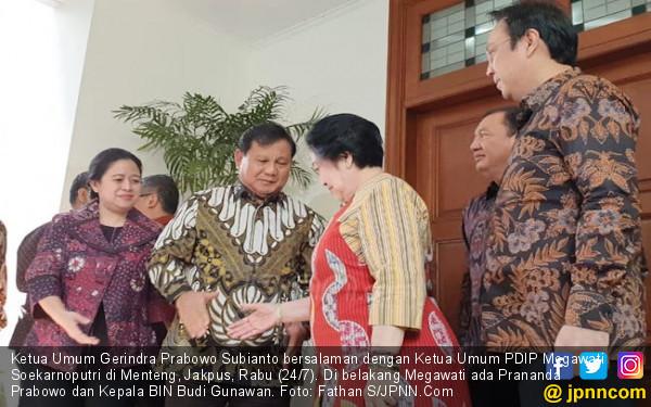 Megawati Siap Jadi Jembatan Prabowo ke Jokowi - JPNN.com
