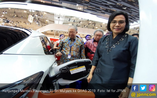 Sri Mulyani Buka-bukaan Terkait Aturan Kendaraan Listrik - JPNN.com