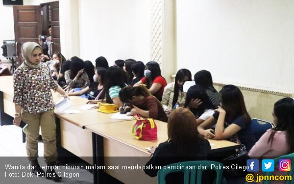 Puluhan Wanita Pekerja Hiburan Malam Terjaring Operasi - JPNN.com