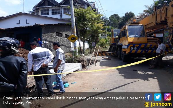 Crane Senggol Kabel Listrik, Satu Pekerja Tewas - JPNN.com