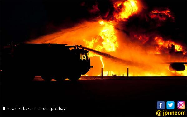 Pondok Pesantren Terbakar saat Santri Sedang Mengaji - JPNN.com
