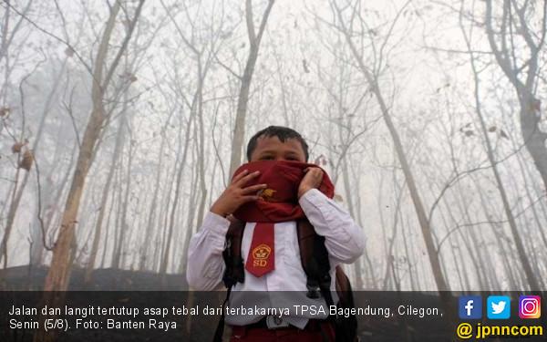 TPSA Terbakar, Asap Kepung Tiga Kecamatan di Cilegon - JPNN.com