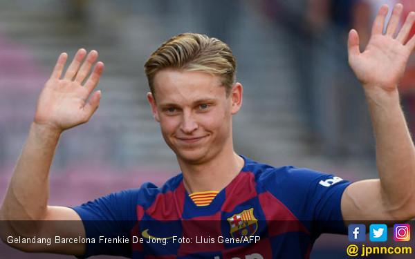Frenkie De Jong Bertaji, Pelatih Barcelona Bakal Pusing Pilih Skuat Inti - JPNN.com