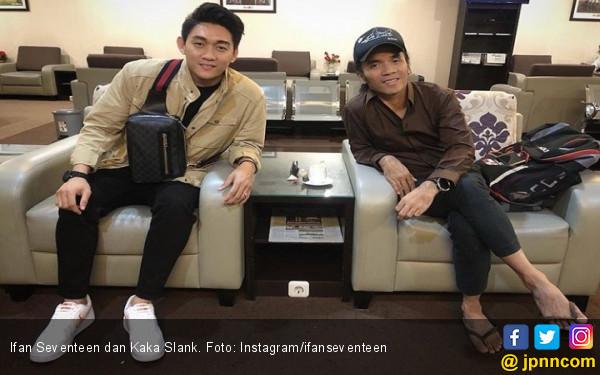Kebiasaan Salat Kaka Slank Bikin Ifan Seventeen Takjub - JPNN.com