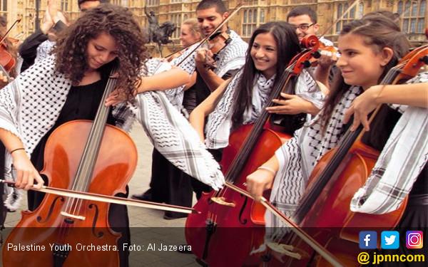 Palestine Youth Orchestra Melawan Lewat Seni - JPNN.com