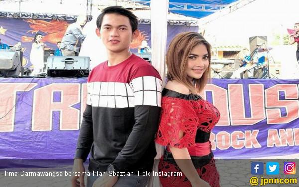 Ogah Putus Dengan Irfan, Irma Darmawangsa: Kalau Orang Waras Enggak Mungkin Begitu - JPNN.com