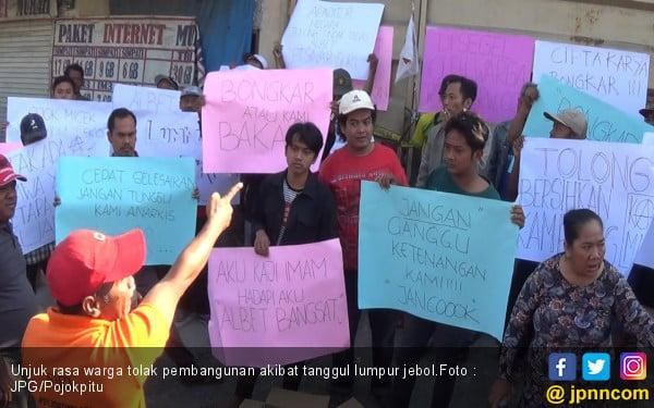 Tumpahan Lumpur Memakan Korban, Warga Demo Minta Proyek Dihentikan - JPNN.com