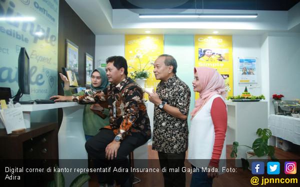 Adira Insurance Dekati Pengunjung Mal - JPNN.com