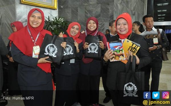 Stan Pameran MPR Laris Manis Diserbu Pengunjung Sidang Tahunan MPR 2019 - JPNN.com