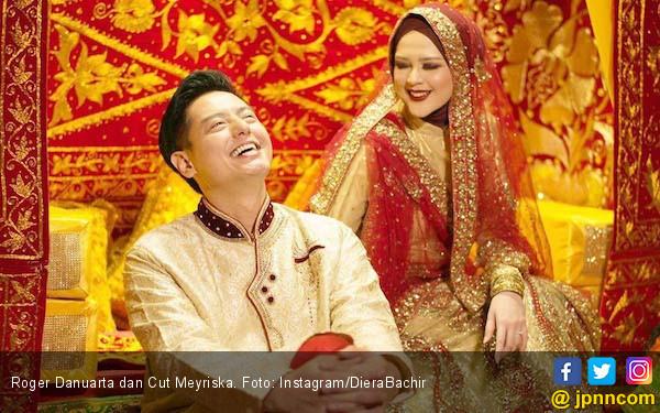 Resmi jadi Suami Cut Meyriska, Roger Danuarta: Alhamdulillah Halal - JPNN.com