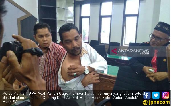 Duh Anggota Dewan Bonyok Kena Pukul dari Polisi - JPNN.com