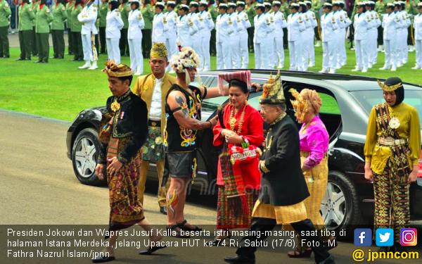 Ada yang Berbeda di Istana: Jokowi dan JK Pilih Bermobil ke Upacara HUT Kemerdekaan - JPNN.com