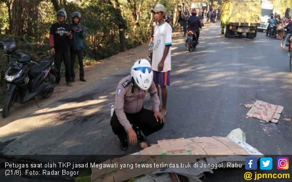 Innalillahi, Megawati Tewas Terlindas Truk - JPNN.com