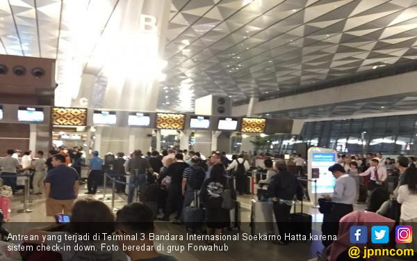 Sempat Down, Sistem Check-in Terminal 3 Bandara Internasional Soekarno-Hatta Kembali Normal - JPNN.com