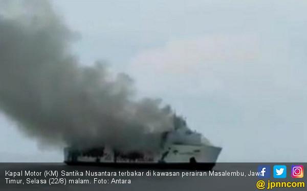Berita Terbaru Seputar Evakuasi Penumpang KM Santika Nusantara - JPNN.com
