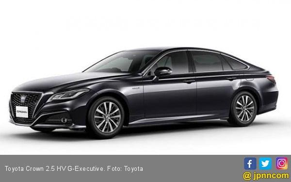 Intip Spesifikasi dan Harga Toyota Crown 2.5 HV G-E, Mobil Dinas Menteri Jokowi - JPNN.com