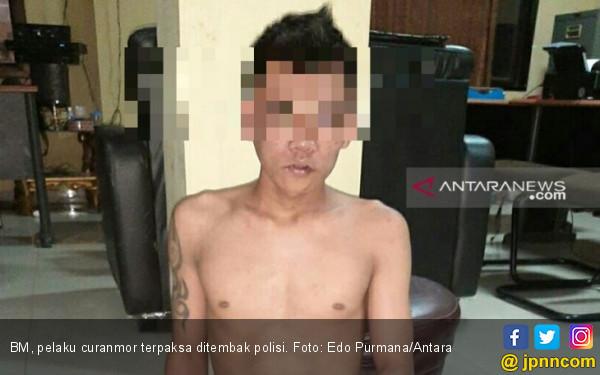 Dor, Kaki Pelaku Curanmor Tertembus Timah Panas - JPNN.com