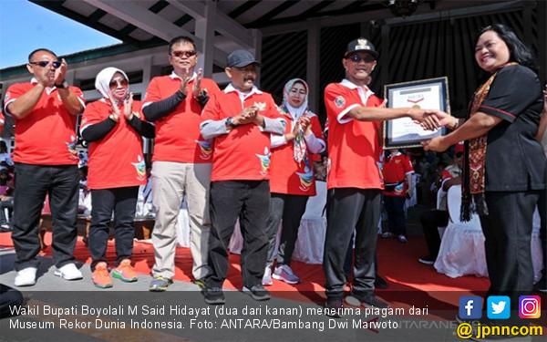 Rekor MURI: 37.449 Orang Serentak Baca Teks Pancasila, Termasuk Pelajar Asal Papua - JPNN.com