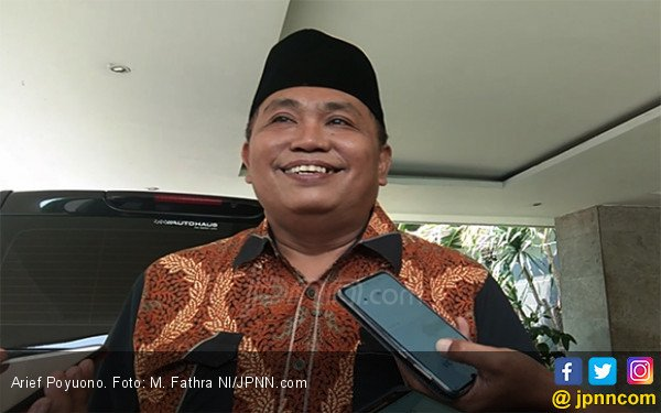 Kapal Tiongkok Kawal Kapal Pencuri Ikan di Natuna, Arief Poyuono Beri Komentar Begini - JPNN.com