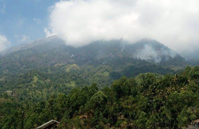 Aktivitas Pendakian Gunung Agung Belum Pulih, Pemandu Wisata Curhat Begini - JPNN.com Bali