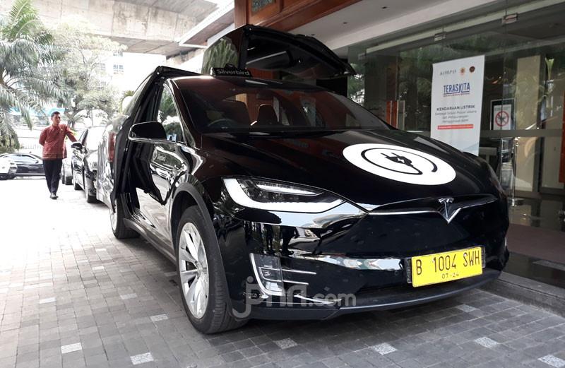 Tesla Diperintahkan Menarik Kembali 12 300 Model X Di Seluruh Dunia Jpnn Com
