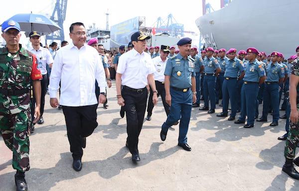 Dua Kapal Perang TNI AL Membawa Misi Penting ke Nias - JPNN.com