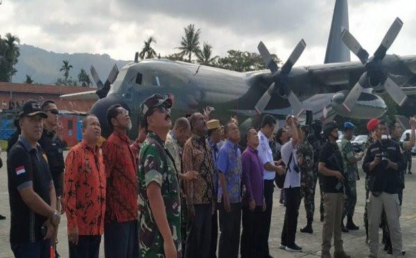 92 Tentara Langit Diterjunkan ke Papua, Disaksikan Panglima - JPNN.com