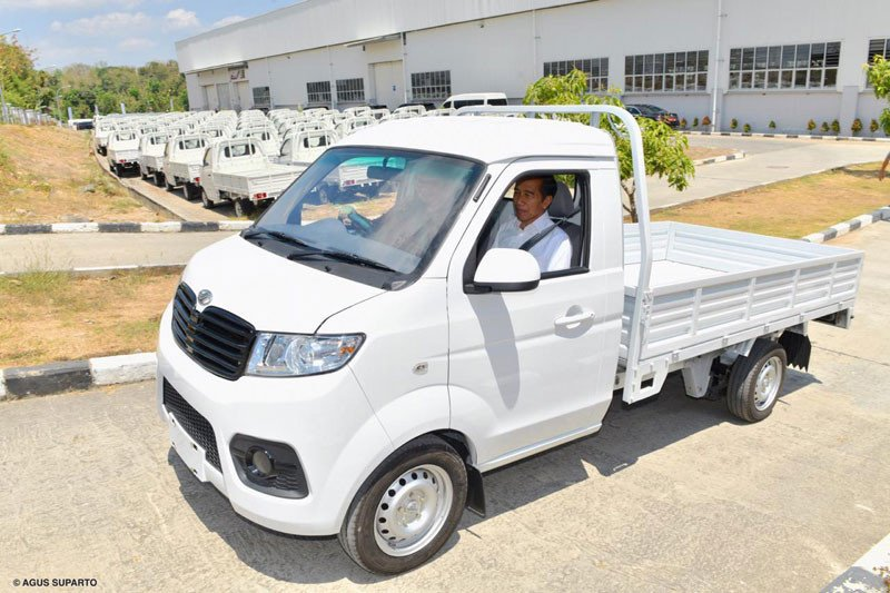 Jokowi Luncurkan Mobil Esemka Bima, Masih Ada Rasa Tiongkok? - JPNN.com