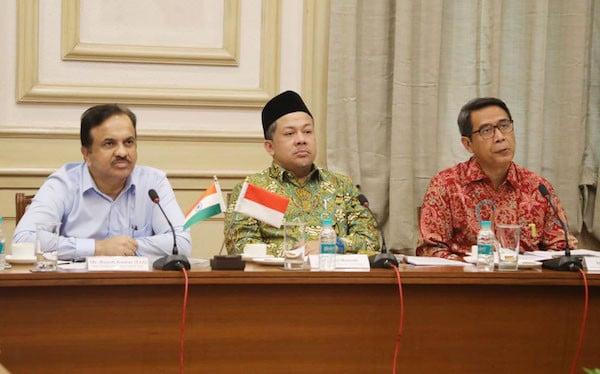 Perlindungan Pekerja di Luar Negeri, DPR: Indonesia Justru yang Lamban - JPNN.com