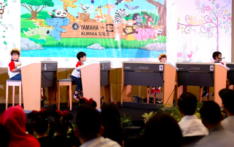 Jokowi Saksikan Aksi Jan Ethes di Pentas Musik - JPNN.com