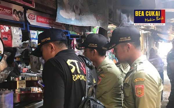 Gandeng Satpol PP, Bea Cukai Amankan Puluhan Cairan Vape Ilegal - JPNN.com