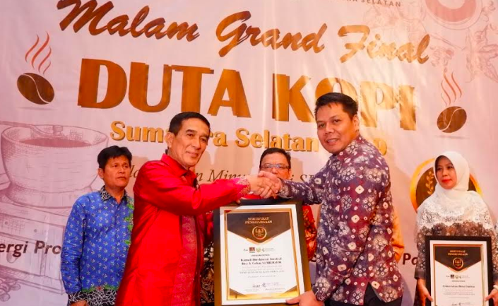 Dukung Ekspor Kopi Sumsel, Bea Cukai Sumbagtim Raih Penghargaan - JPNN.com