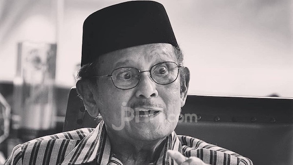 Prof Didik Rachbini Sebut Warisan Pemikiran BJ Habibie Tidak Hanya IPTN - JPNN.com