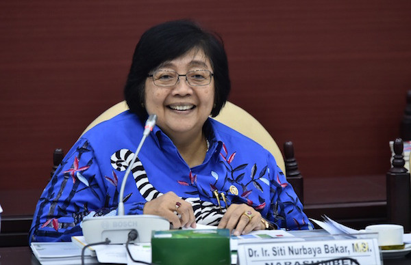 Reje Kampung Bale Bujang Dapat Penghargaan dari Menteri Siti Nurbaya - JPNN.com