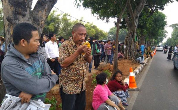 Rakyat Berdatangan Ingin Melihat Pemakaman Jenazah BJ Habibie, Tetapi… - JPNN.com