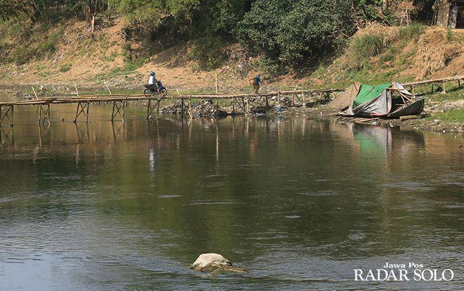 Sungai Bengawan Solo Tercemar Berat - JPNN.com