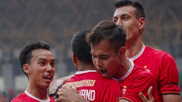 Persija Jakarta vs Persipura Jayapura: Buru Kado Ulang Tahun - JPNN.com
