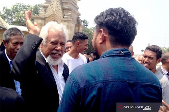Puluhan Mahasiswa Timor Leste Berziarah ke Makam BJ Habibie, Ini Cerita Mereka - JPNN.com