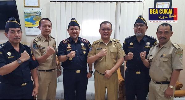 Bea Cukai Bengkulu Dorong UMKM Tembus Pasar Luar Negeri Lewat Pos Ekspor - JPNN.com