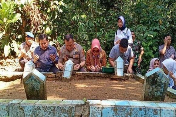 Pulang Kampung, Irjen Firli Bahuri Teringat saat Jualan Spidol dan Kue di Taman Ria - JPNN.com