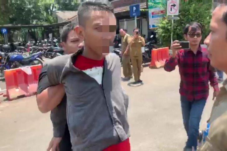 Pencuri Spesialis Pecah Kaca Tepergok Polisi Berpakaian Preman