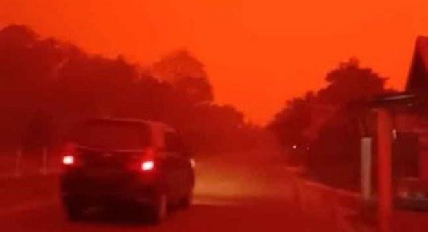 Viral, Langit Berwarna Merah di Muaro Jambi - JPNN.com