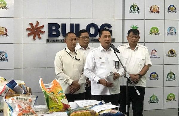 Perum Bulog Salurkan Bansos Beras Presiden Tahap II Kepada 1,85 Juta Warga - JPNN.com
