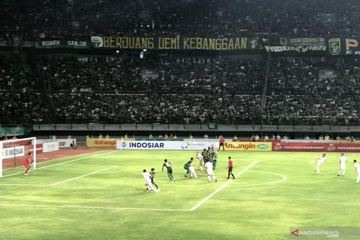 Tahan Imbang Persebaya, Bali United Makin Kukuh di Puncak Klasemen