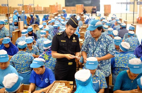 Bea Cukai Bali Nusra Gelar Operasi Gempur Rokok Ilegal, Nih Hasilnya - JPNN.com