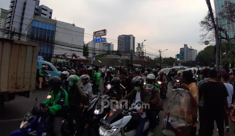 Komisi V DPR Wacanakan Pembatasan Ruang Gerak Sepeda Motor di Jalan Raya - JPNN.com
