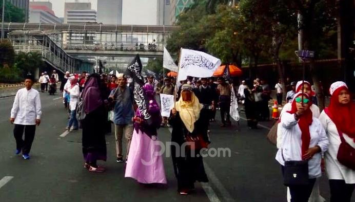 Mujahid 212 Yakin Dua Anak Buah Jokowi Ini Sepakat dengan Mereka - JPNN.com