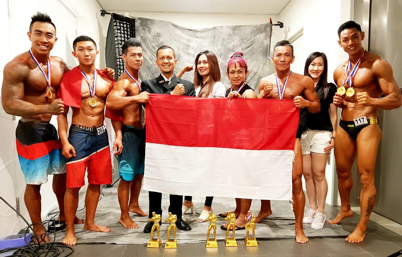 Indonesia Raih 5 Medali pada Kejuaraan Binaraga Fisik Tingkat Asia di Singapura